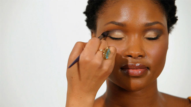 Tips To Apply Makeup Perfectly On Oily Skin
